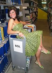 sexy-librarian-2