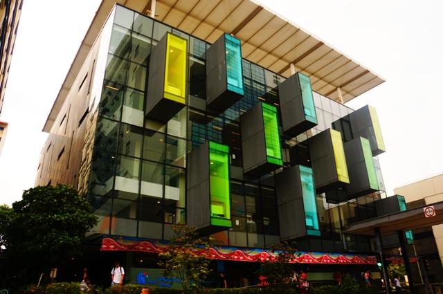 นายห้องสมุดพาชมห้องสมุดในสิงค์โปร์ (ภายใน Bishan Public Public)