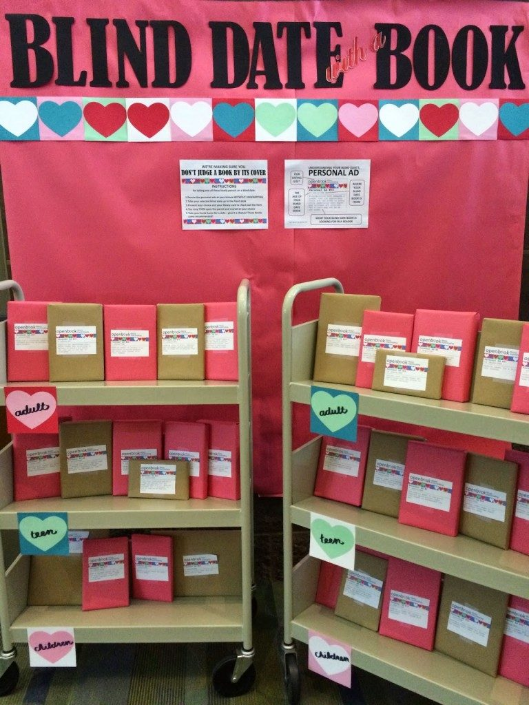 ที่มาจาก http://www.literaryhoots.com/2015/02/library-display-blind-date-with-book.html#more